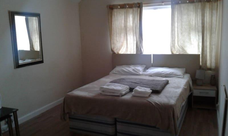 Cosy Studio Apartment - Cardiff - Leilighet