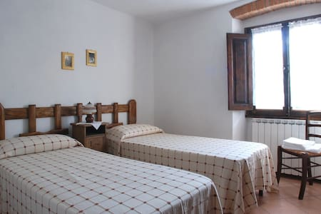 Viola - Camera singola in Mugello - Corella - Bed & Breakfast