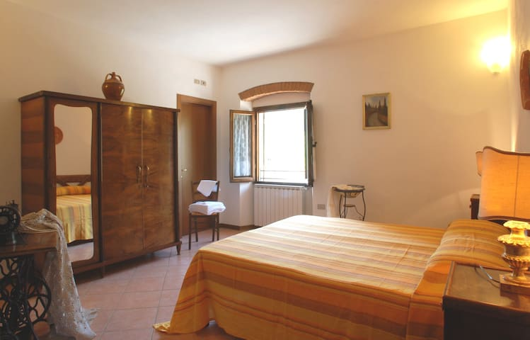 Girasole - Double room in Mugello - Corella - Bed & Breakfast