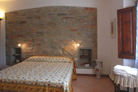 Lilla - Double room in Mugello - Bed & Breakfast