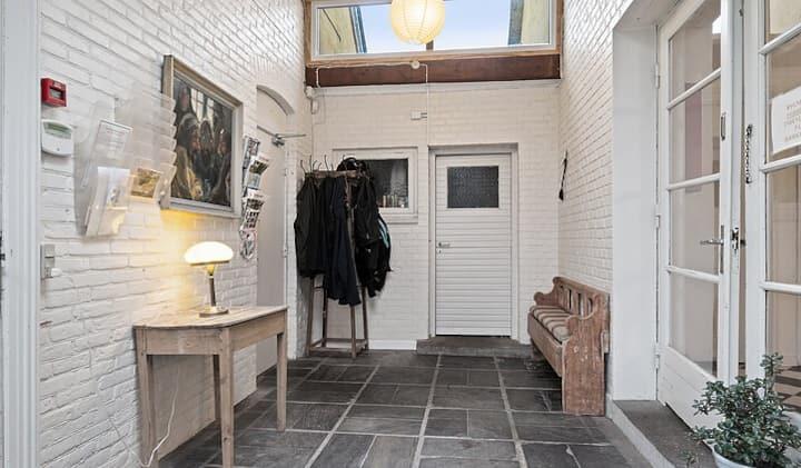 Private værelse på landet med gratis pakering