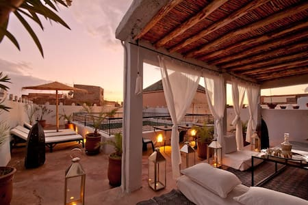 Traditional Riad Marrakech Medina - Bed & Breakfast
