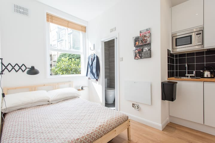 The Central London Hideaway - London - Apartment