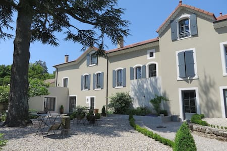 1 ch. dans demeure bourgeoise - Vernoux-en-Vivarais - Bed & Breakfast