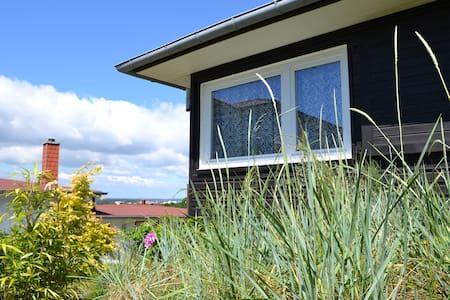 Sommer-Ferienhaus in Binz auf Rügen - Binz - Casa