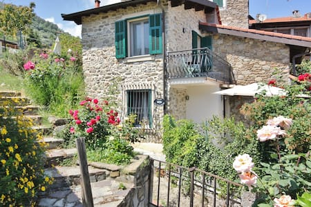 B&B la Villetta, stone house.