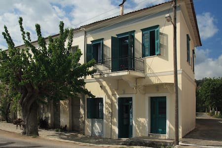 Moorea Country Houses - Christina - Πεταλίδι - Szeregowiec
