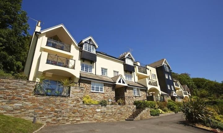 No 1 St Elmo's Court, Salcombe Luxury apartment