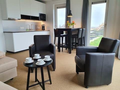 Delfstrahuizen  Studio met unieke view aan water