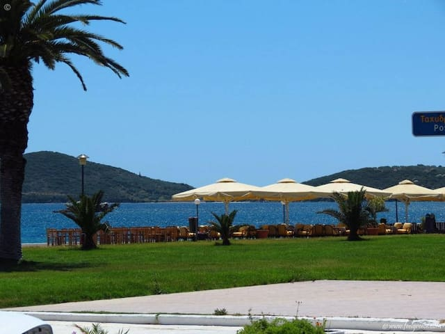 2-bedrooms flat close to the sea - Nea peramos - Daire