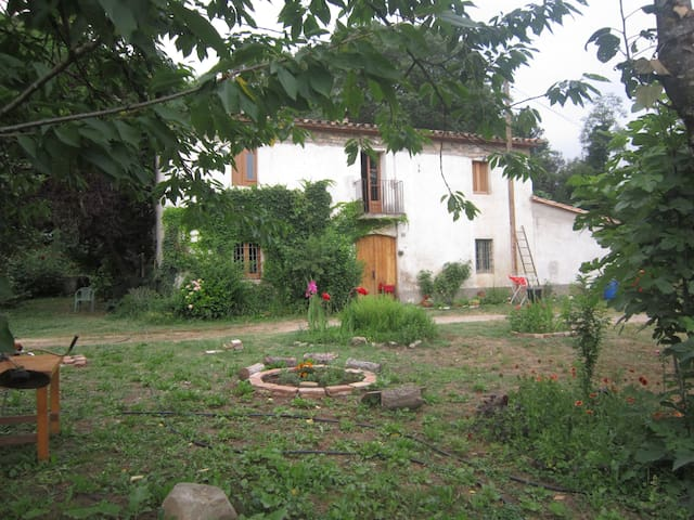 Habitacion doble en Masia en plena naturaleza