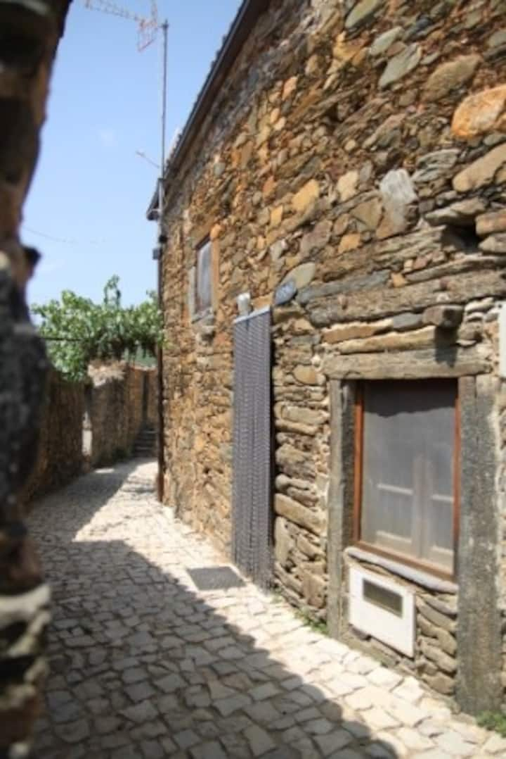 Casa de Xisto na Aldeia OLIVEIRAS
