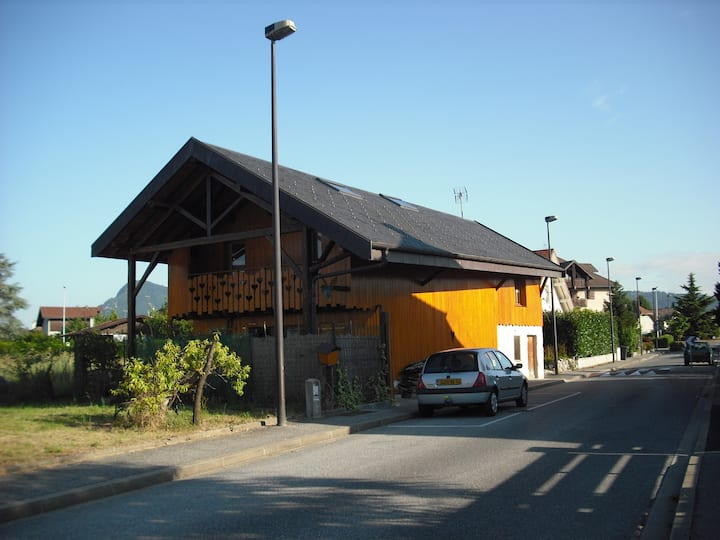 studio ds ancien grange 6mn Annecy