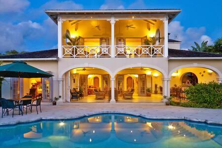 Oceana 4 Bedroom Villa for 8 - Mt Standfast - Villa