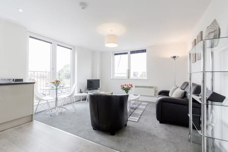 Milton House 1 bed - Egham - Apartment