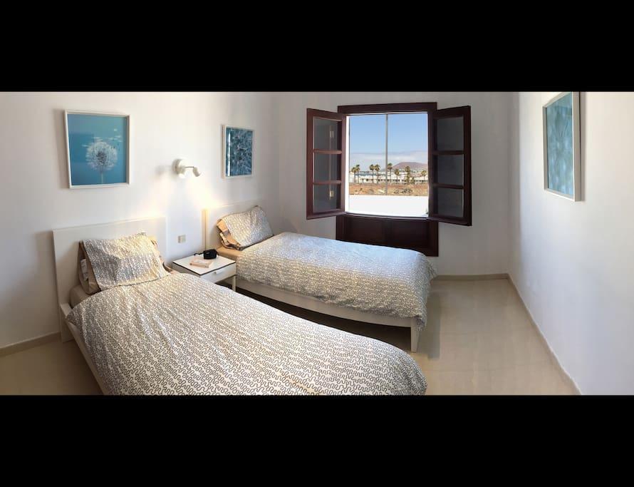 Dormitorio camas individuales - Single bed bedroom