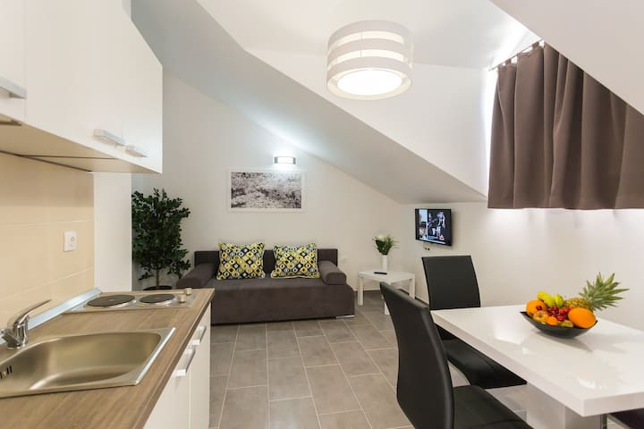 Sky Apartments & Rooms - Močići - Apartemen