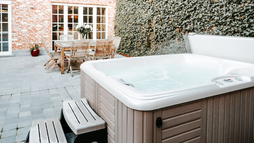 Luxe privé huis met private wellness near Bruges.