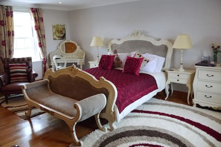 5 Star Gold Luxury Cranmore Room - Somerset
