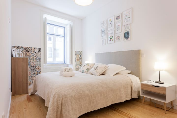 Family Charming Apartment in Alfama Lisbon