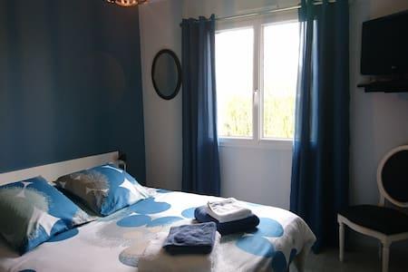 La Zénitude - Suite privée chambre/sdb/bureau/wc