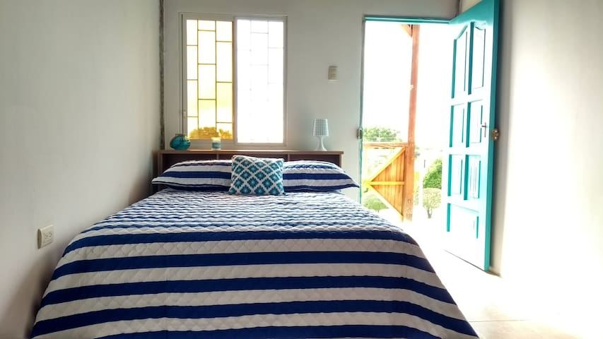 Private Room next to Los Frailes Beach