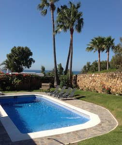 Casita with pool and sea views Sotogrande/Duquesa.