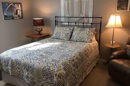 Bobeck Villa Efficiency 1 month minimum $700/month