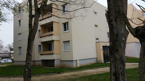 Comfortable apartment near Bezannes TGV station