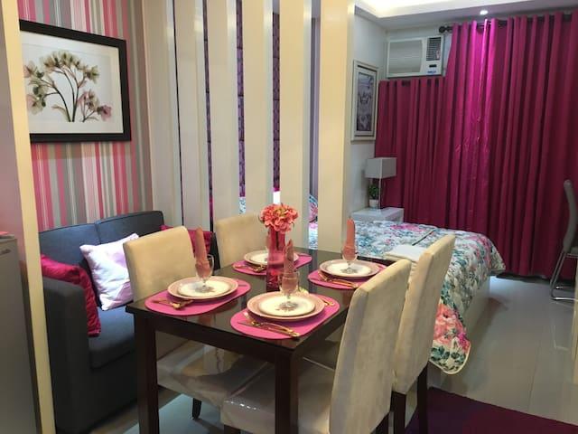 Cozy Pink condo near Sm City Cebu