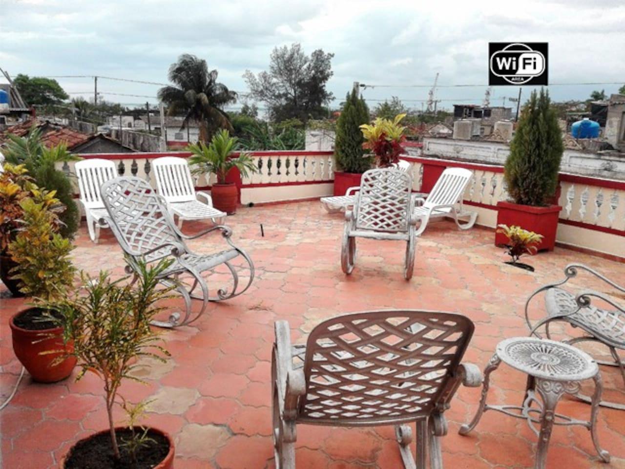 Hostal Pocala te ofrece una inolvidable estancia, aqui podrás disfrutar del sol, la suave brisa, deliciosos desayunos y puestas de sol que no olvidarás. !TE ESPERAMOS!