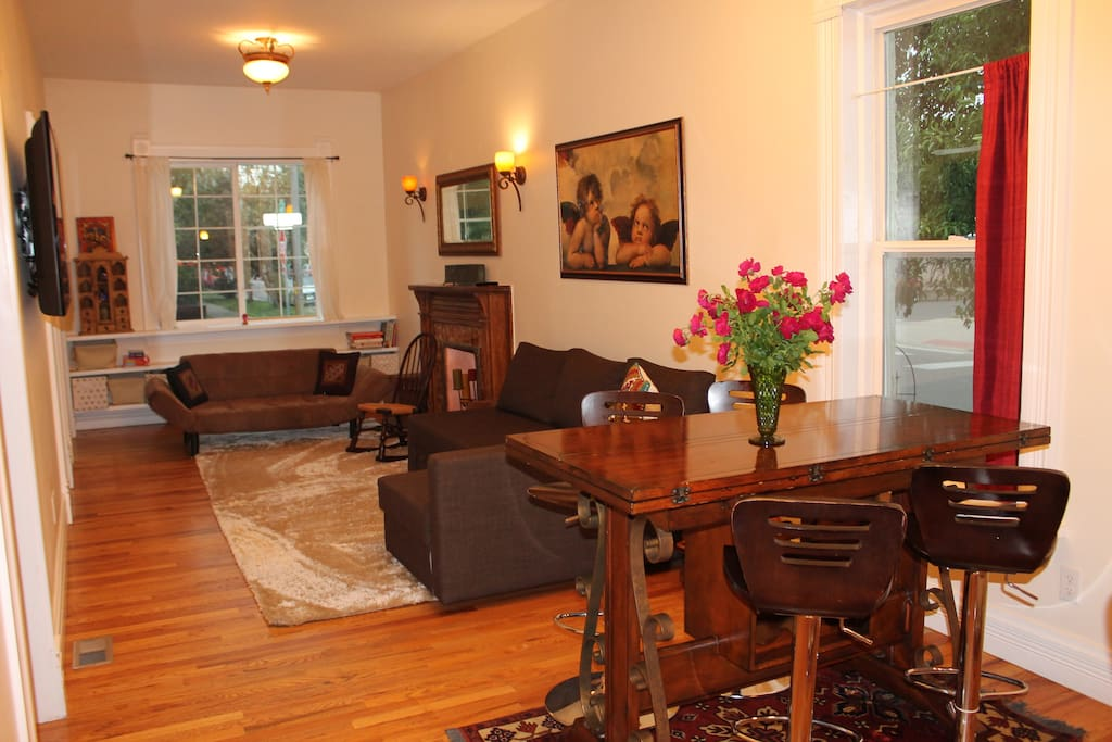 Comfortable living room and dining room table that seats 8.