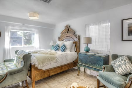 Charming GuestHouse near Downtown! - Denver - House