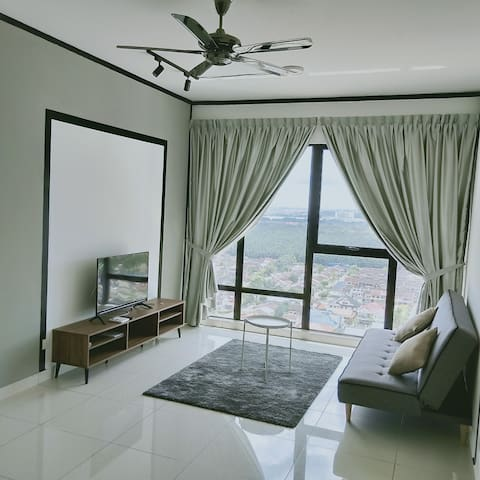 Minimalist urban living near Midvalley Southkey