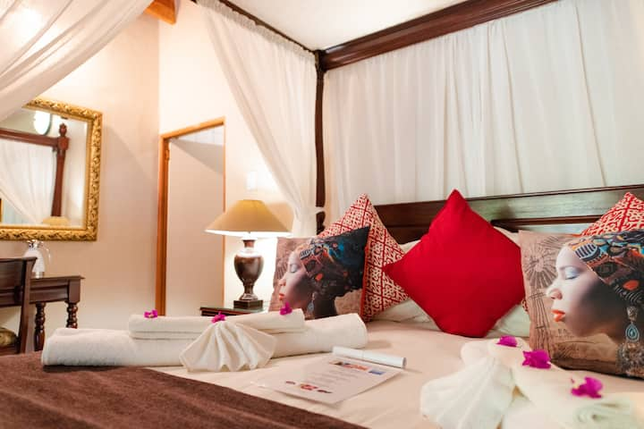 Blyde River Canyon Lodge - Honeymoon Suite