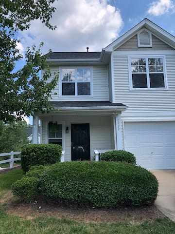 Furnished South Charlotte Townhouse