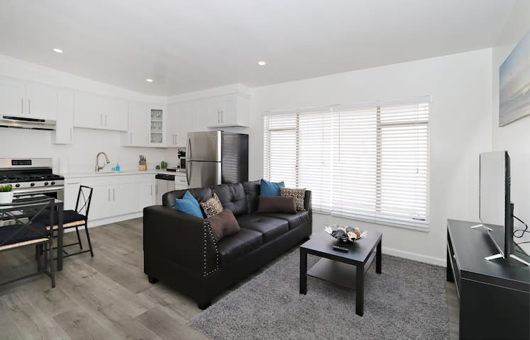 El Segundo Stay at Sierra - Walkable to Downtown!
