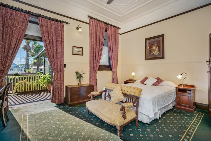 Ballina Manor Boutique Hotel Room 1
