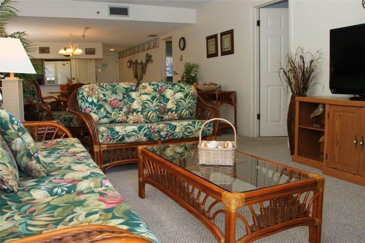 #401 Beach Place Condos - Madeira Beach - Condomínio
