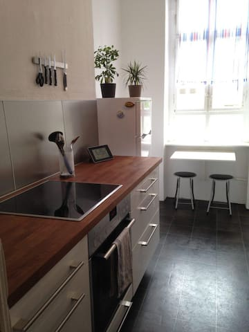 Perfect for couples! Sunny room in Charlottenburg - Berlín - Apartamento