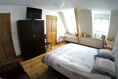 Chambre avec salle de bain privée - Saint-Omer - Huis