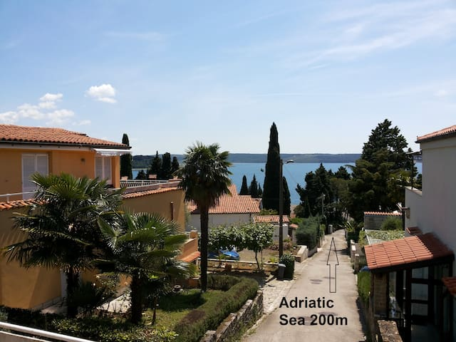 Homelike flat 200 m from the beach - Portorož - Dům