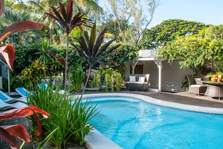 Oasis:Beach at 200m + swimming pool - Blue Bay - Villa