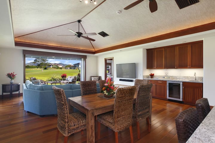 Dining and Living area with Beautiful Views