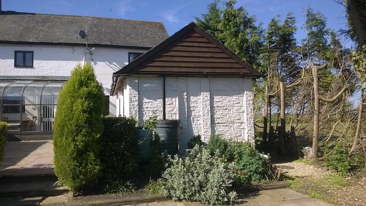 Hideaway cottage annexe