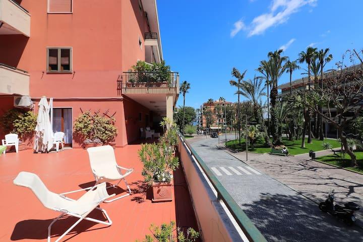 La Terrazza Parco Lauro Apartment