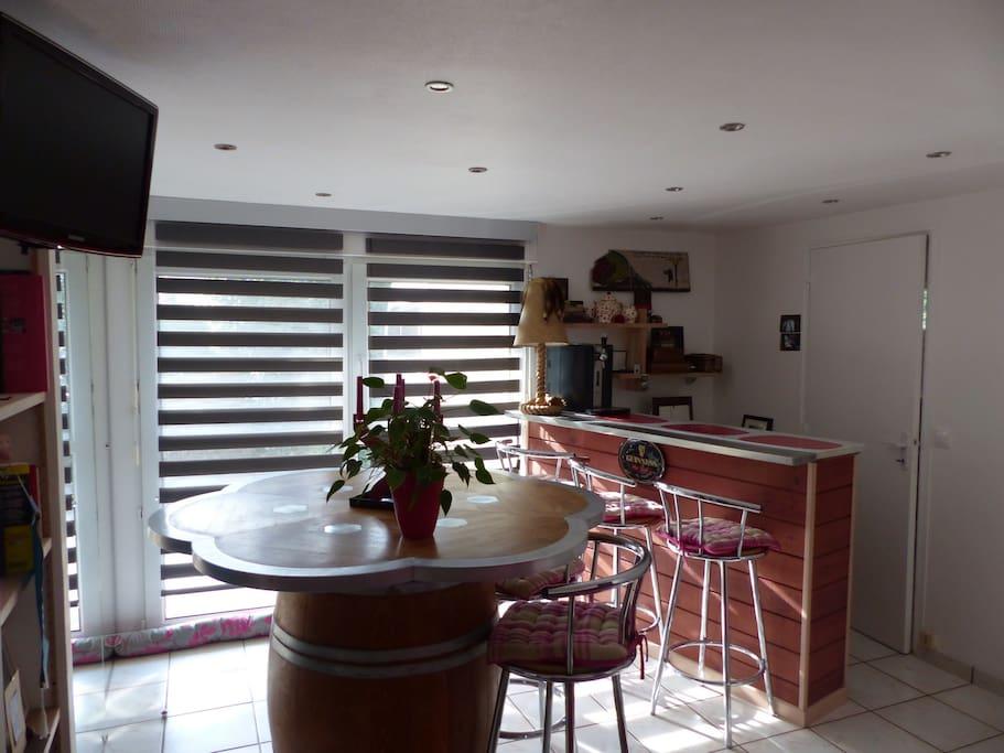 chambre avec salle d 39 eau priv e cuisine partag e houses for rent in saint nazaire pays de la. Black Bedroom Furniture Sets. Home Design Ideas
