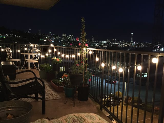 Breathtaking View Apartment in Eastlake!