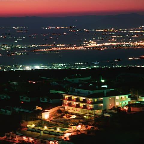 Situado en Parque de Sierra Nevada - La Zubia - Apartment