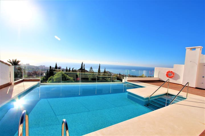 Benalmadena Pueblo. Pool with views.